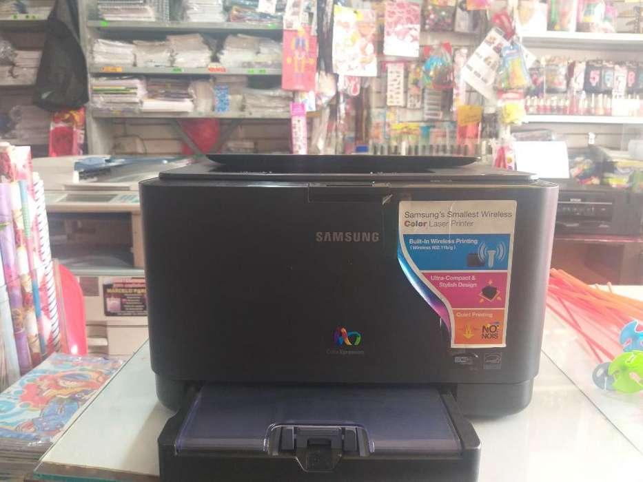 Se Vende Una Impresora Y 5 Monitores