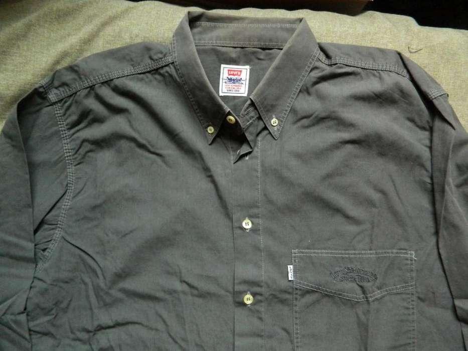 Camisa Levi's talle 41 Large chico o Medium grande gris