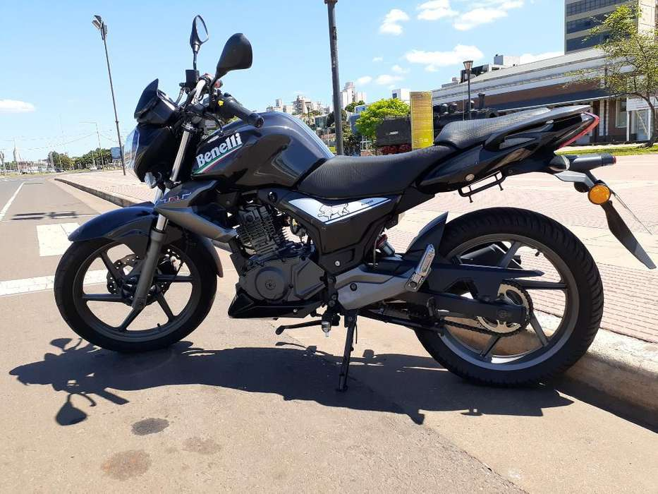 Moto Benelli 150 Tnt