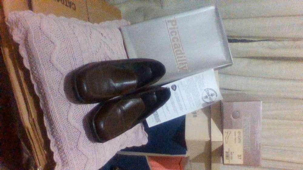 Zapatos Mocasin con tacoPICADILLY Nª38 cuero marron Super comodos