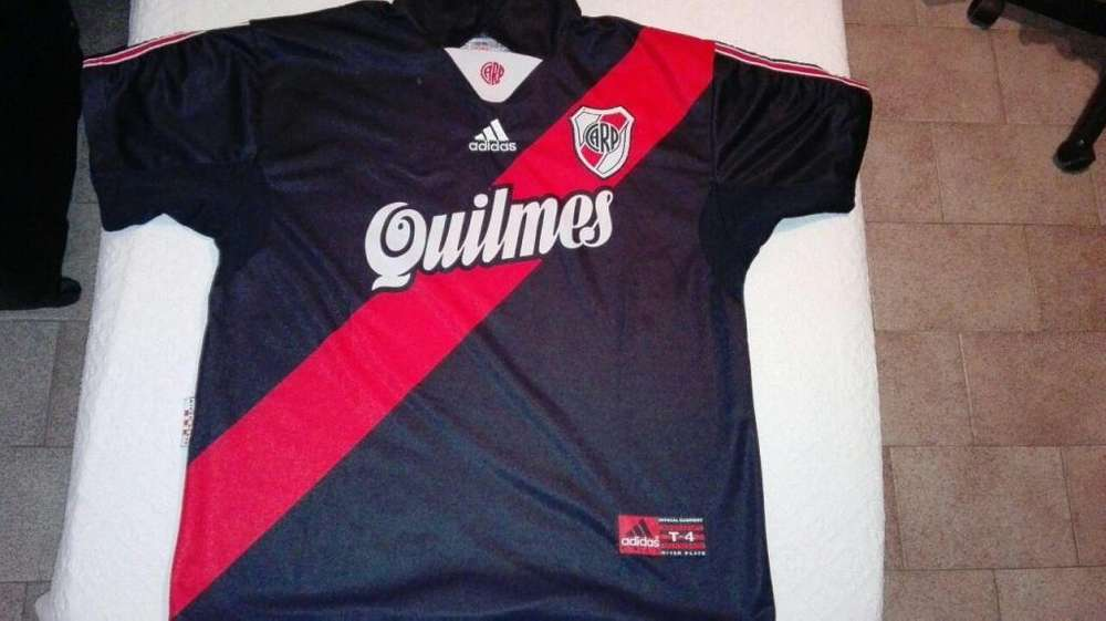 VENDO CAMISETA DE RIVER 1999 ORIGINAL