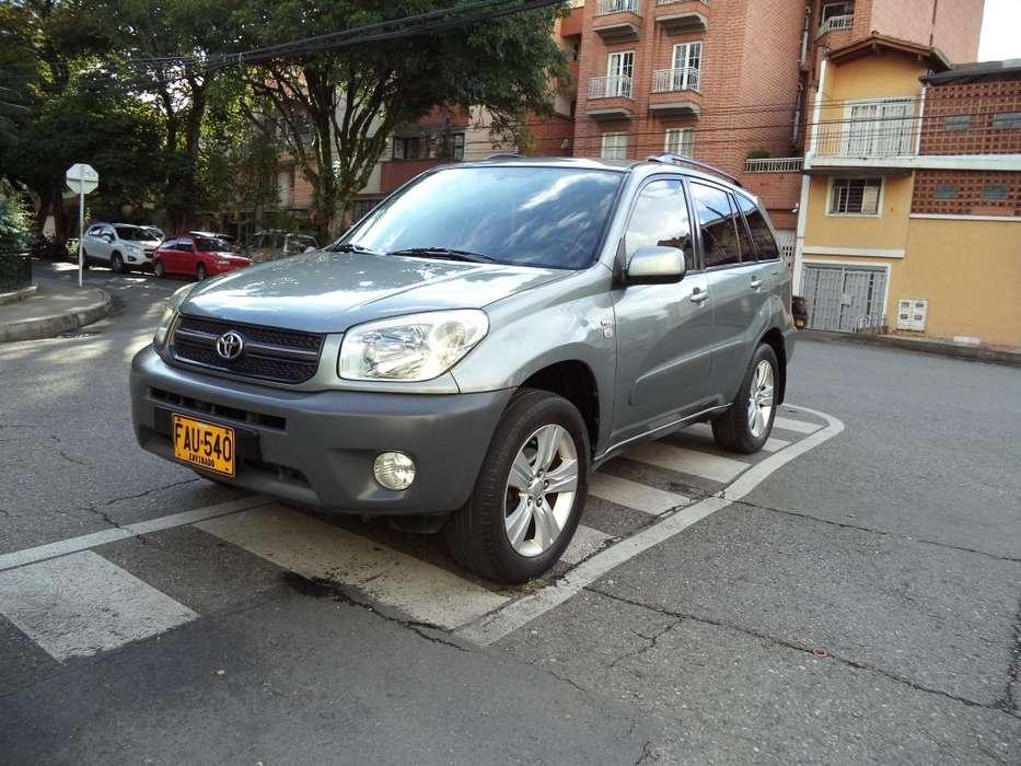 Toyota RAV4 2004 - 205000 km