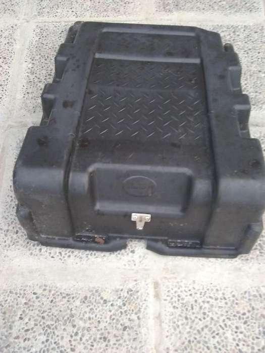 Tapa de Batería de Ford Cargo