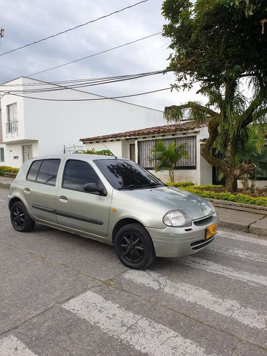 Renault Clio  2002 - 170000 km