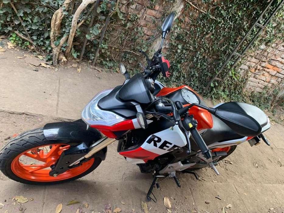 Hermosa Moto 250 cc Como <strong>nueva</strong>