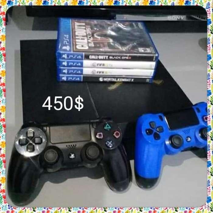 Play station 4 4 juegos y dos palancas