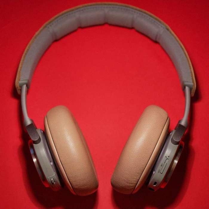 Bang & Olufsen H9, Auriculares Bluetooth