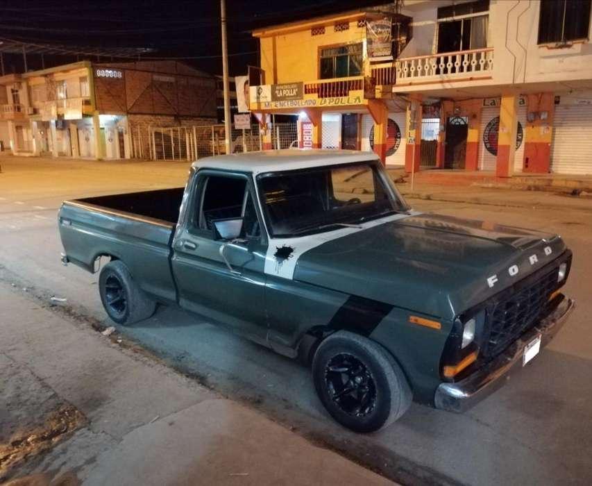 Ford Otro 1974 - 100000 km