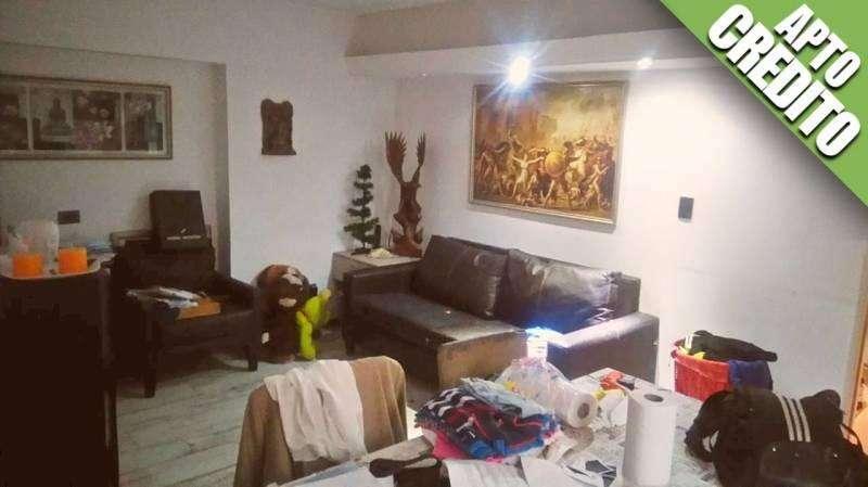 Importante Piso de 4 Ambientes Apto Credito con Patio y Balcón en Villa Crespo