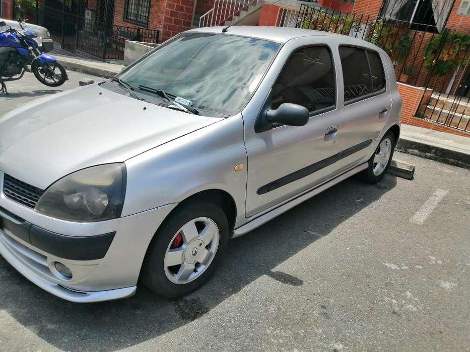 Renault Clio  2004 - 141000 km
