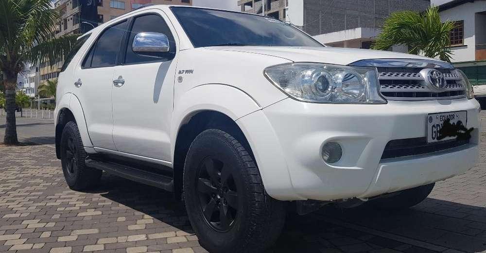 Toyota Fortuner 2010 - 160000 km