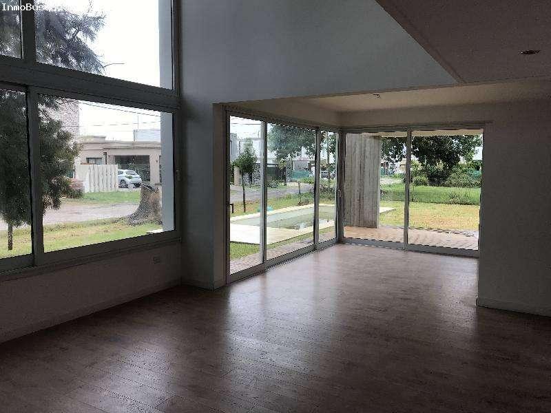 Casa en Venta en City bell, La plata US 360000