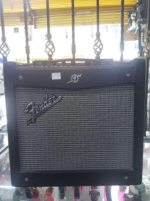 Amplificador de guitarra FENDER Mustang 1 V2 (20V)