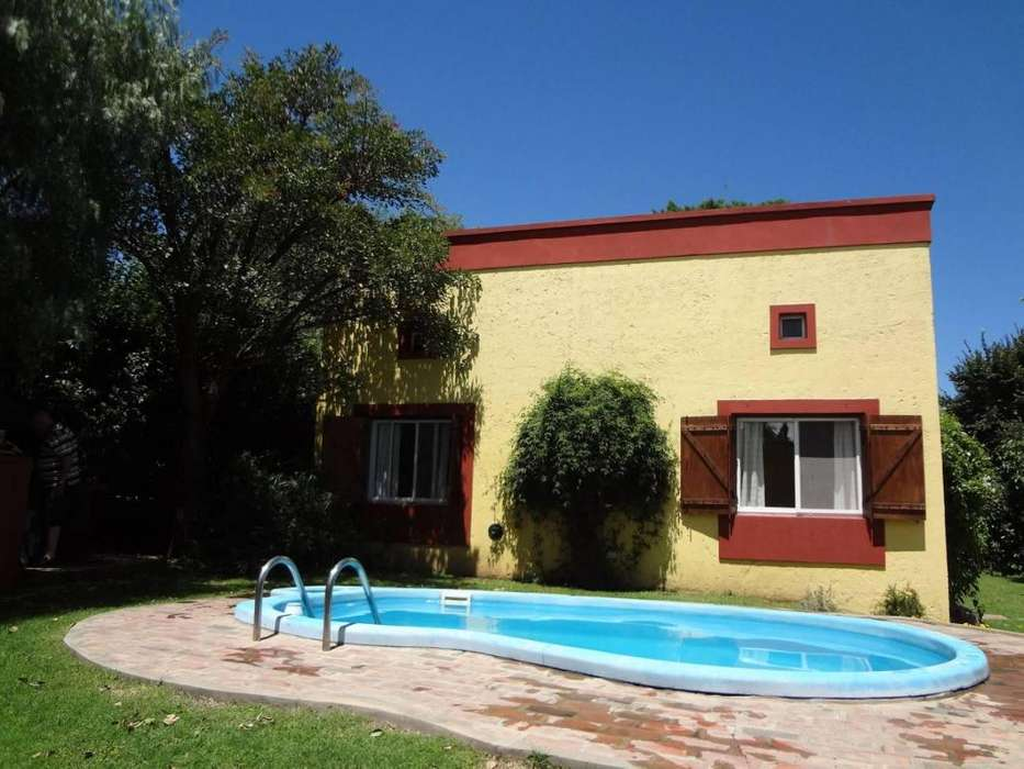fh66 - Cabaña para 2 a 4 personas con pileta y cochera en Villa De Merlo