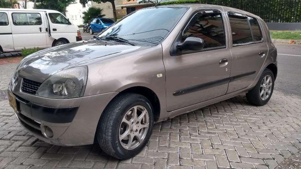 Renault Clio  2004 - 188000 km