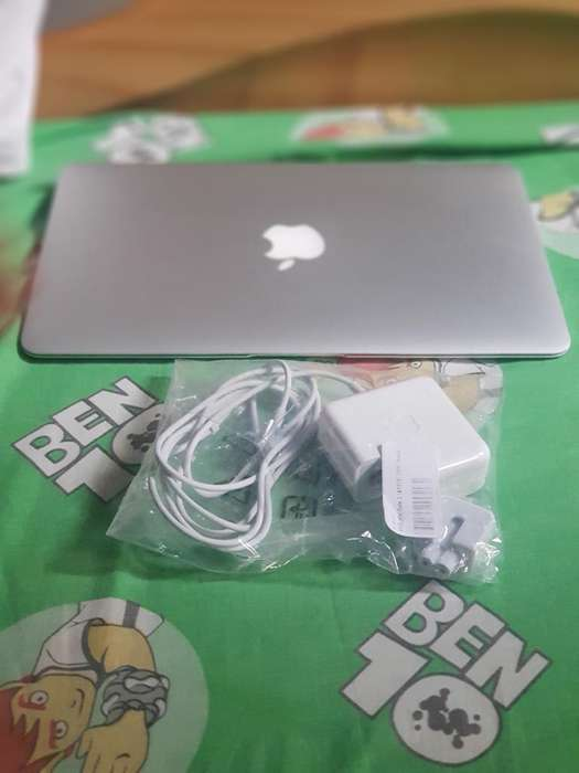 Mac Book Air Core I5 1.6 11