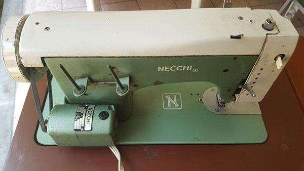 Aproveche Maquina de Coser NECCHI