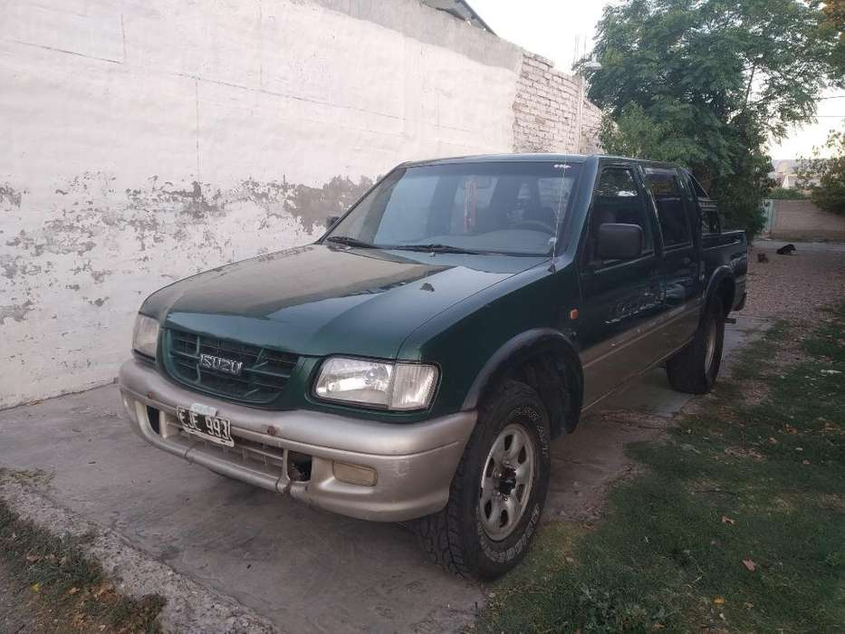 Isuzu Pick-Up 2005 - 250000 km