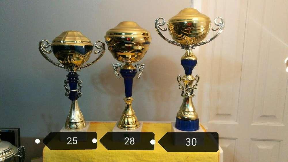 Trofeos, Placas Y Medallas Quito
