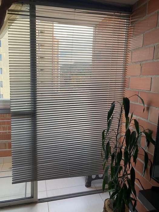 Persiana Aluminio 120 x 180 Titanio Gris Reggia