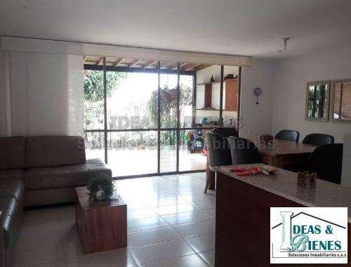 Casa En Venta Envigado Sector Montessori: Código 698513