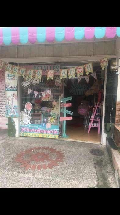 Se vende hermosa tienda de regalos ubicado en excelente sector de la <strong>ciudad</strong>