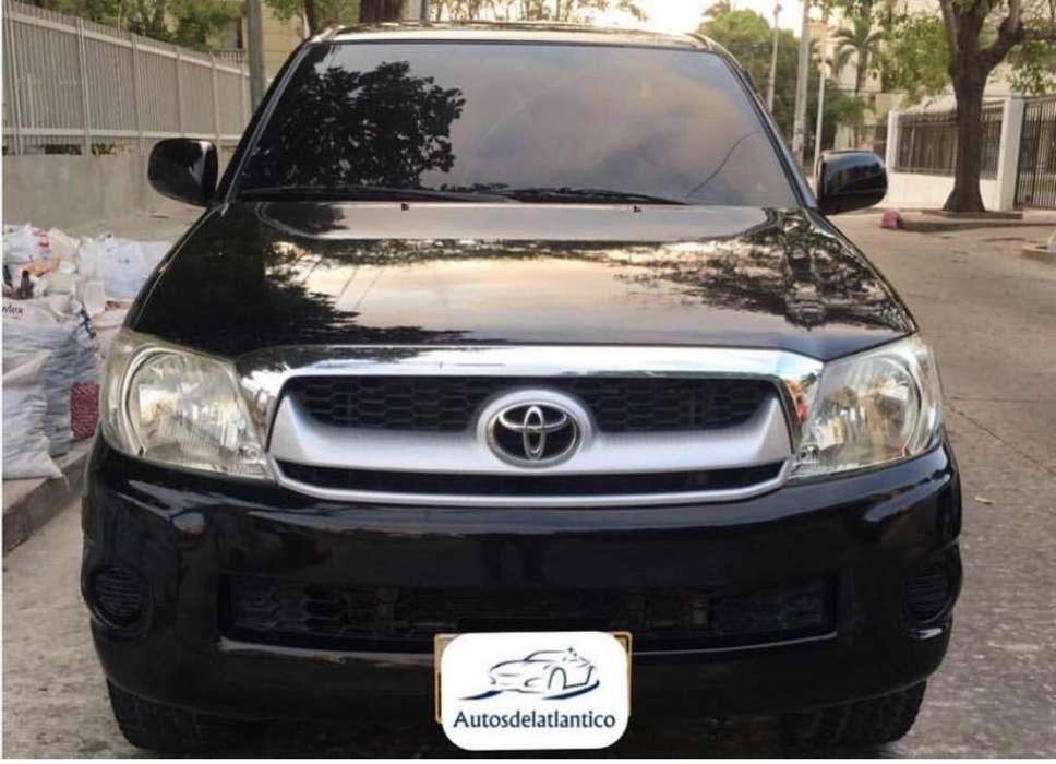 Toyota Hilux 2011 - 108000 km