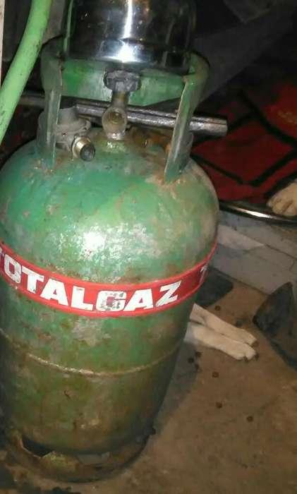 Vendo Garrafa de 15 ,kg de Total Gas2000