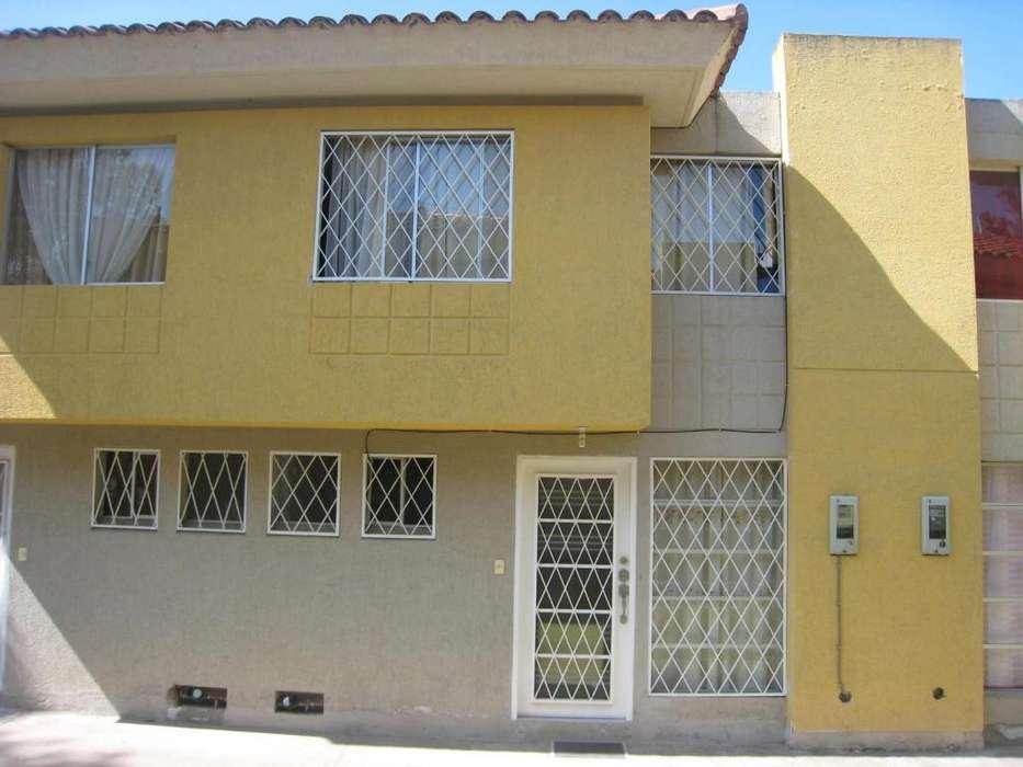 Venta Casa en Calderón - 80 m2 - Dentro de Conjunto Privado - Sector Bonanza - 2 Pisos