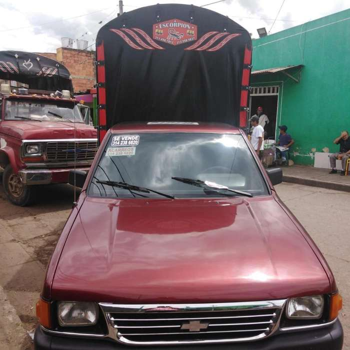 Chevrolet Luv 1995 - 900 km