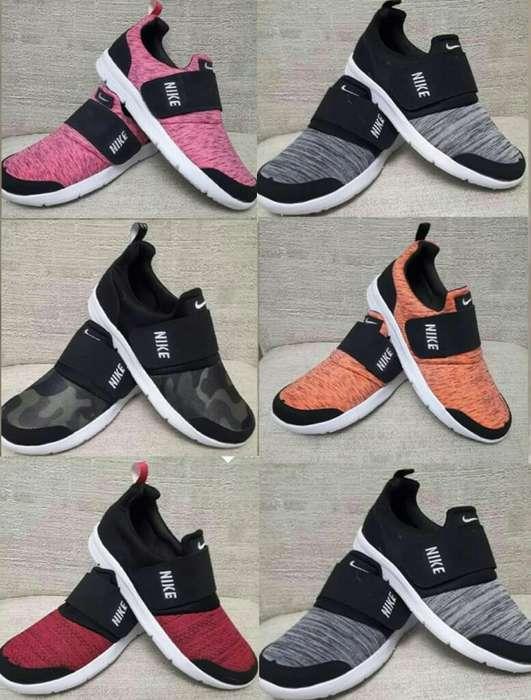 Zapatillas Nike.con Abrojos.