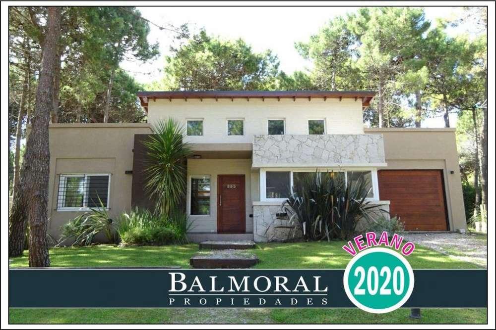 Ref: 8735 - Casa en alquiler, Pinamar , Zona Aromos