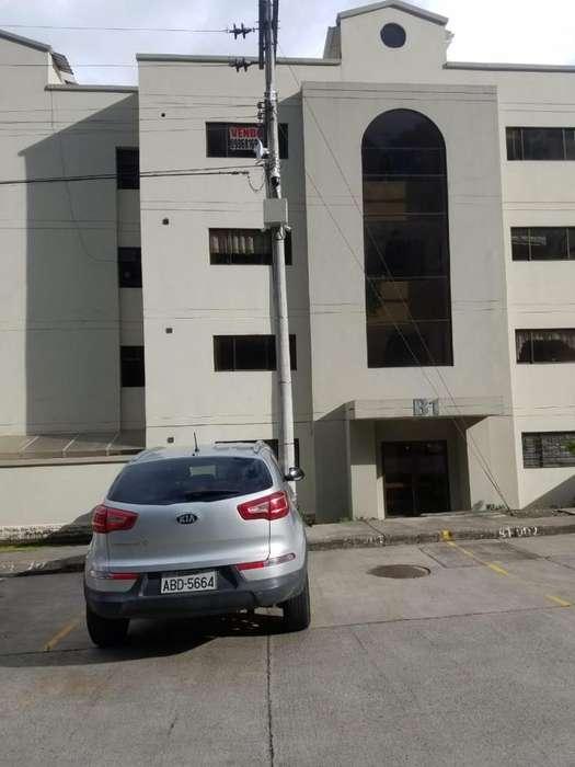 venta de departamento en oferta, ubicado en Condominio de narancay sector Baños, y un duplex en el condominio yanuncay