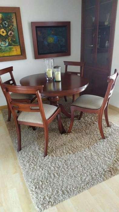 Comedor cuatro puestos de madera - De Muebles y accesorios en perfecto estado