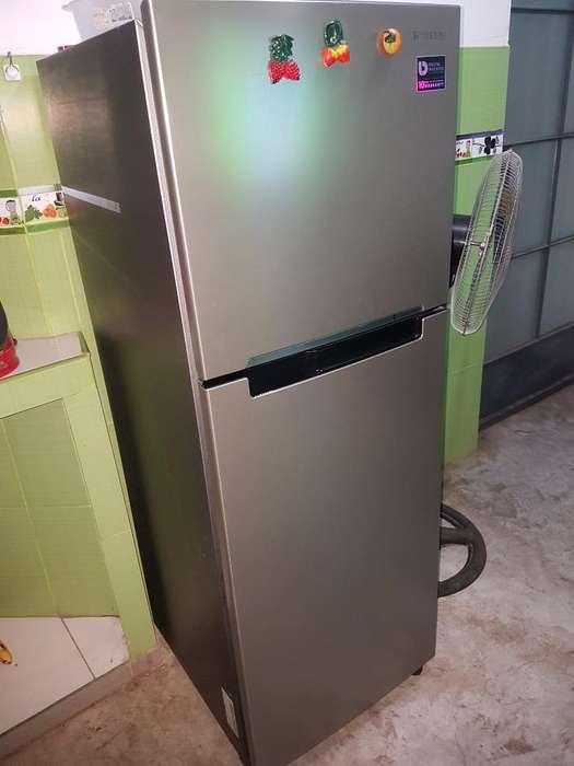 Refrigeradora Samgsung Semi Nueva