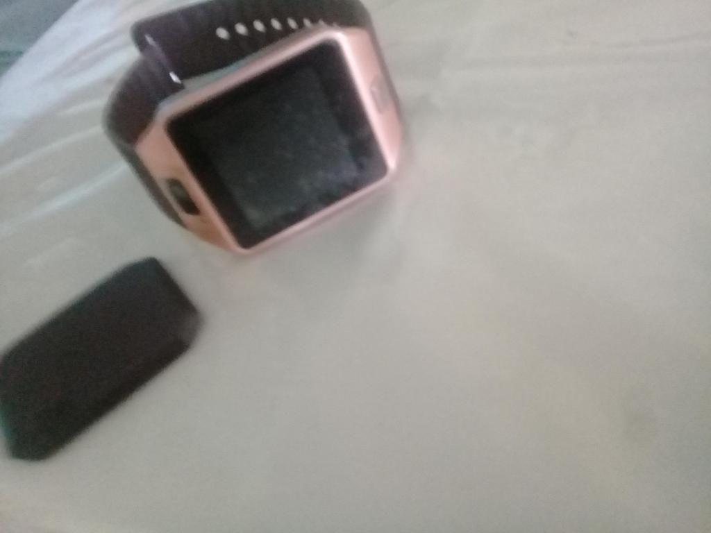 Reloj Dijitalprotector de pantalla incluidocon chip yTarjeta dememoria