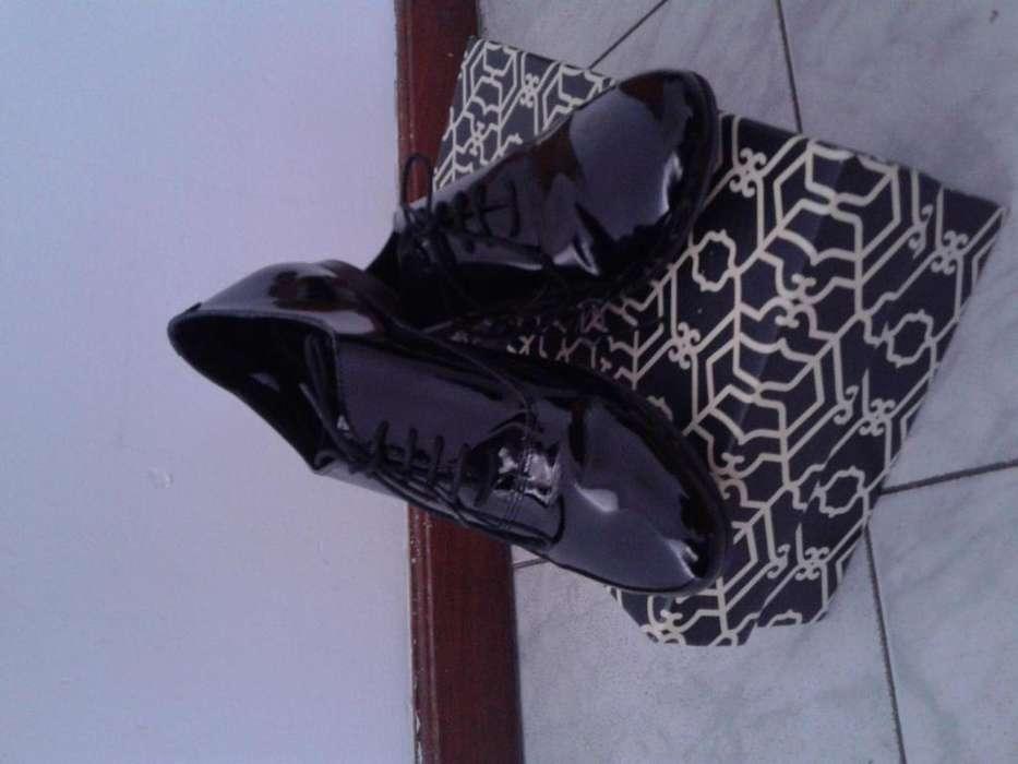 Zapatos charol negros 37