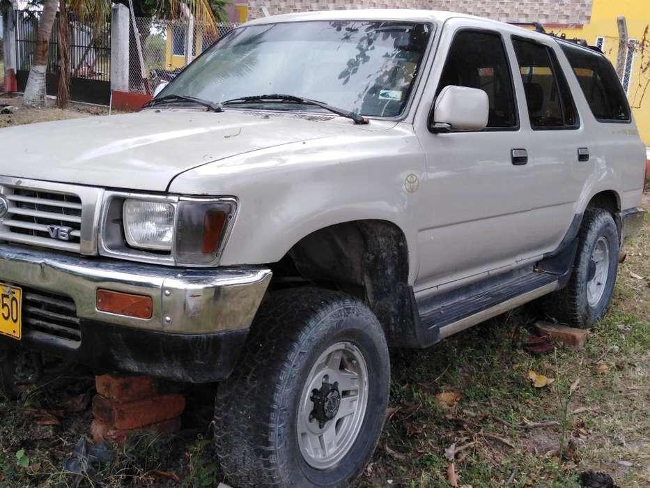 Toyota 4Runner 1993 - 180000 km