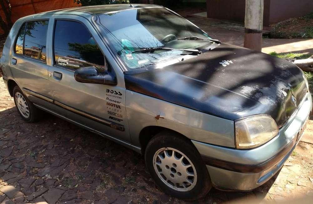 Renault Clio  1998 - 225152 km