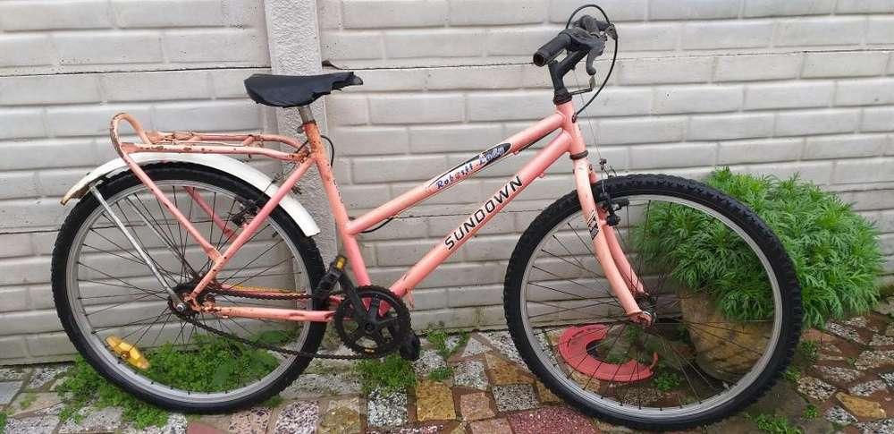 Bicicleta SUNDOWN de paseo, rodado 26, en muy buen estado!!