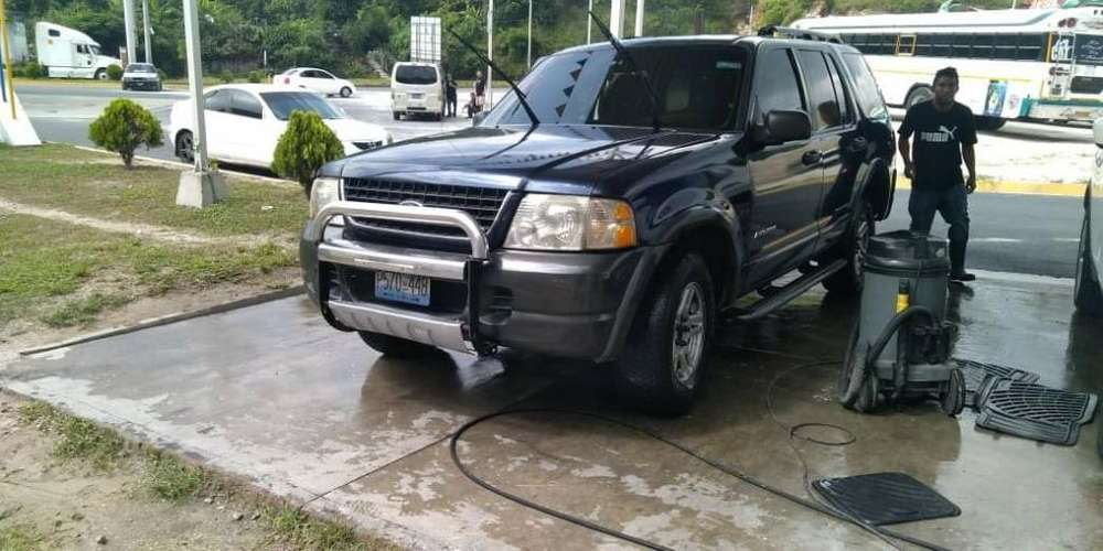 Ford Explorer 2002 - 100000 km