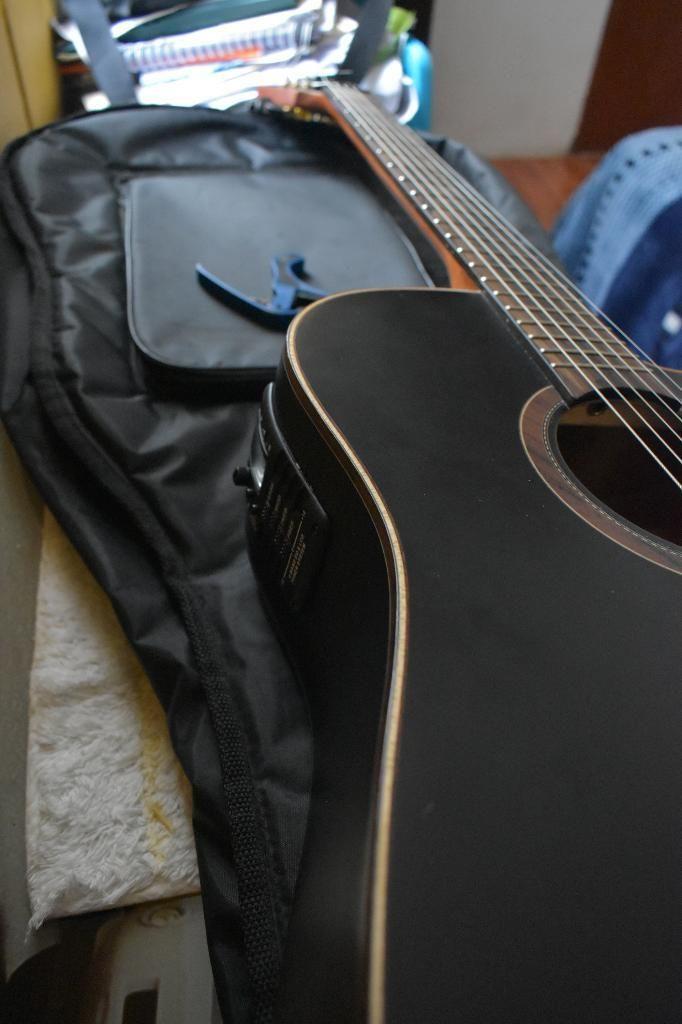 Guitarra Electroacústica Ocasión!