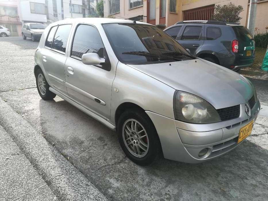 Renault Clio  2009 - 110000 km