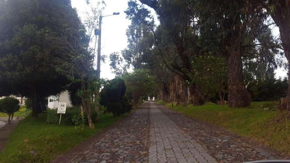 en venta terreno dentro de conjunto cerca del colibri Sangolqui Quito Ecuador