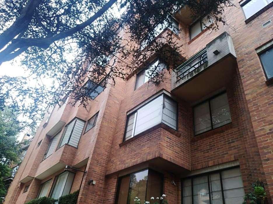 77762 - Apartamento en Arriendo Duplex Rosales