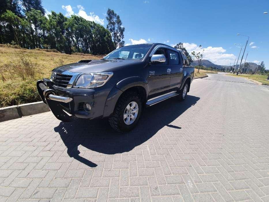 Toyota Hilux 2013 - 76000 km
