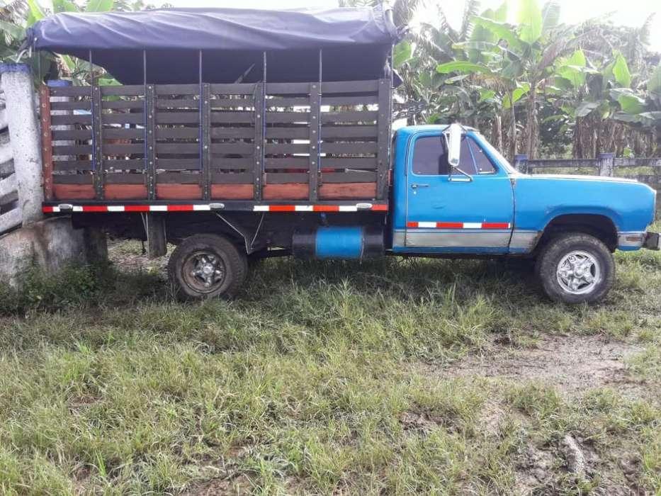 Vendo Camioneta Dogge 300