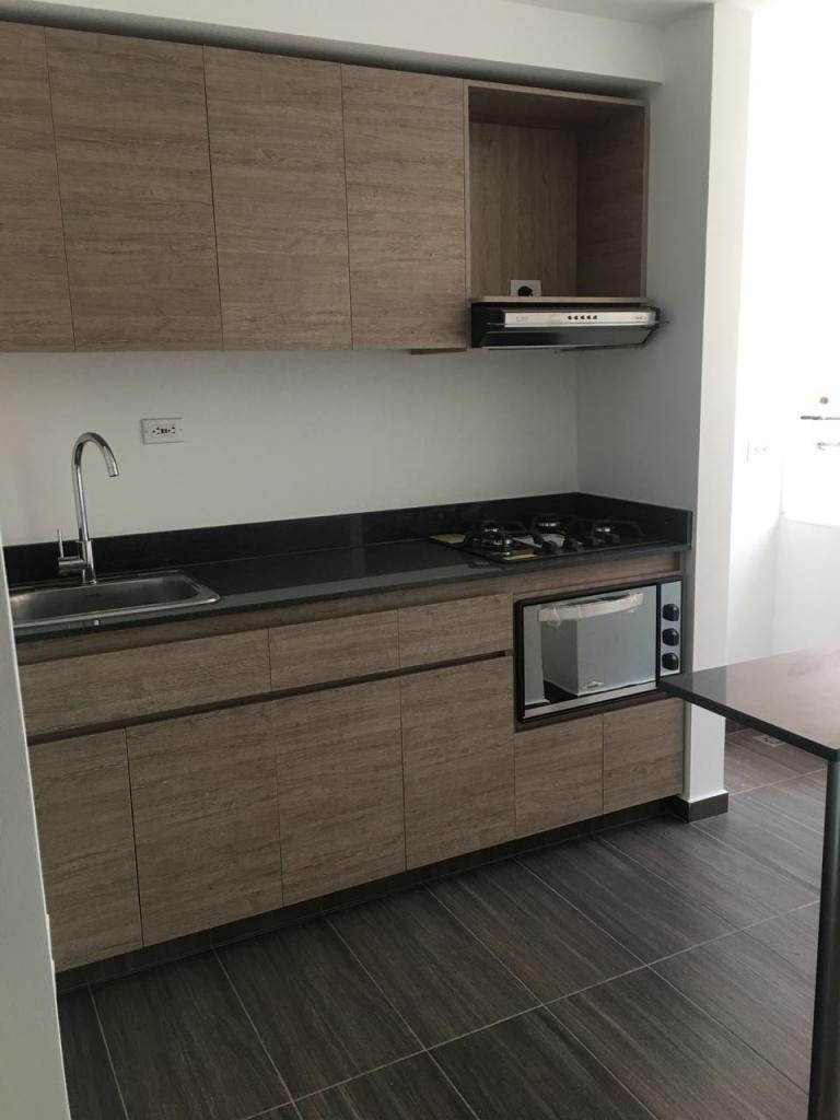 Apartamento Pisco 2 Sector Prados de Sabaneta. Código 876295