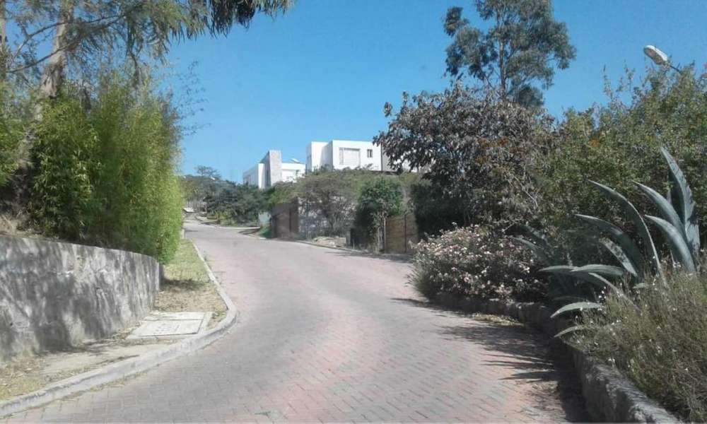Terrenos de venta en quito Nayon cumbaya oportunidad 1089m2 para casas de venta inmobiliarias ecuador terreno nayon