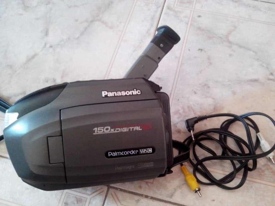 Panasonic Palmcoder Vhs-c Cargador Y Mochila! Impecable !